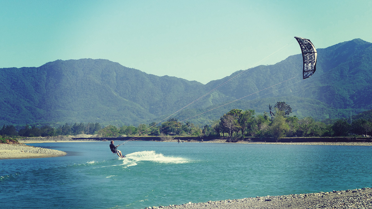 Editor Ollie J exploring some local flat water