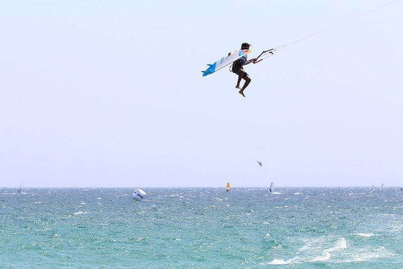 Airton Kite looping with a surfboard